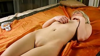 Sensual girl jerks opened up..
