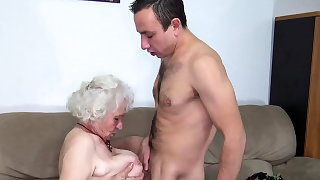 S/M old mom deep plowed