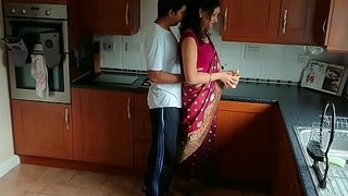 Crimson saree Bhabhi caught..